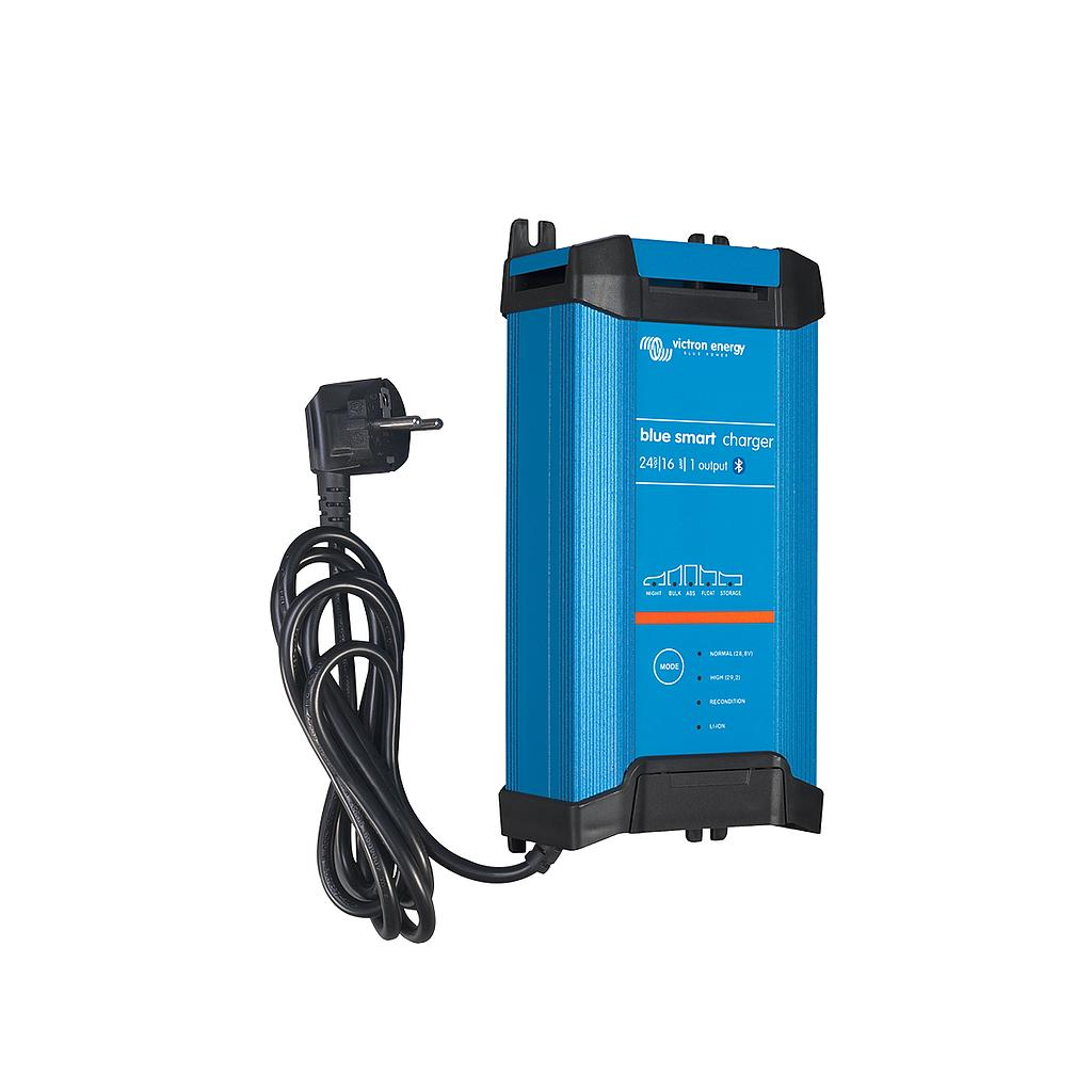 BLUE SMART IP22 CHARGER 24/16 (1)